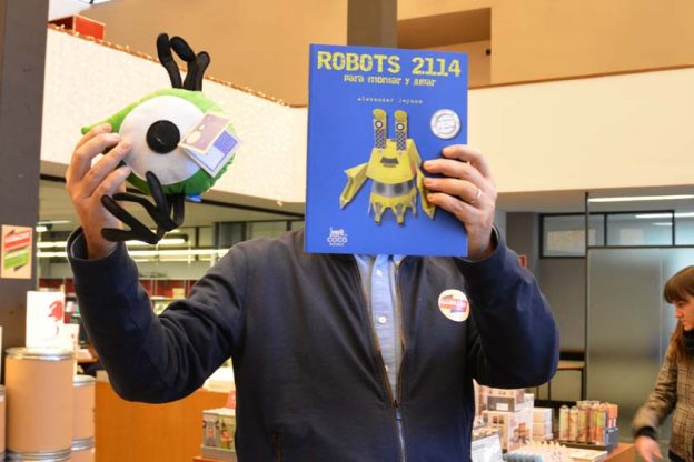 GGbazar 2013 > ¡Segundo día de libros & papel!