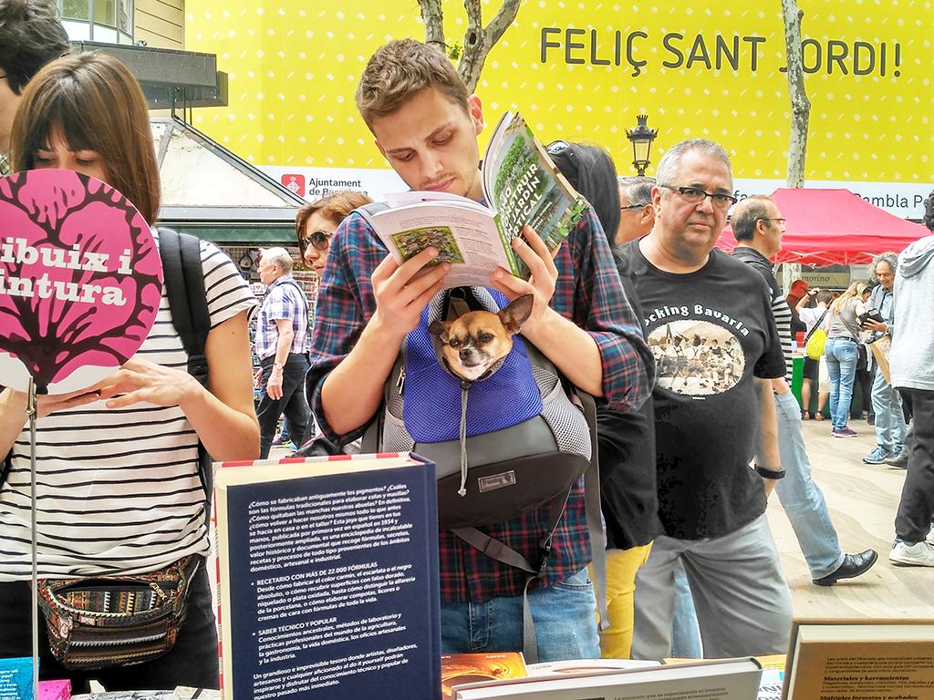 23 de abril. Un Sant Jordi, Día del Libro, en Barcelona